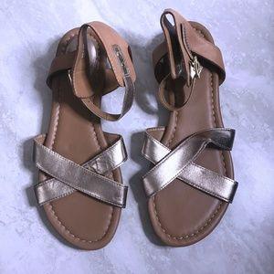 Clarks Artisan Sz 8 Gold Ankle Strap Strap Sandals